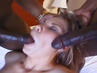 Nice hussy is sucking horseshit