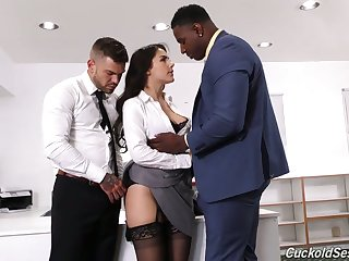 Stunning Mr Big Italian babe Valentina Nappi works on really strong cocks