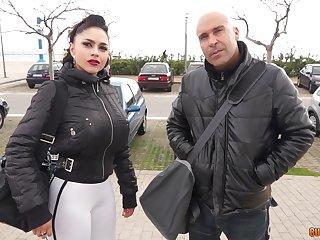 Sporty busty MILF babe Marta La Croft gets pussy pounded in a car