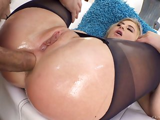 Lindsey Cruz's stretched anal hole is impaled on huge aggressive dick