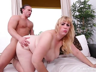 big lady loves intercourse - anal BBW hardcore
