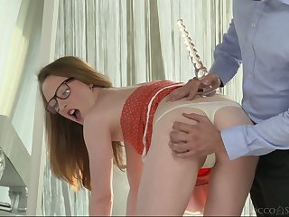 Nerdy pro Emma flashes her chubby pussy lips and deserves hard anal