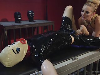 Blonde teen wearing latex Mona Wales fucked poor guy encircling strapon