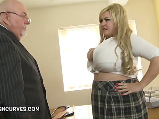 Voluptuous Old man gets his paws on Leah