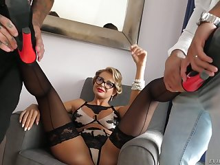 Poland unsubtle Joanna Bujoli gets double penetrated increased by takes cumshots on her glasses