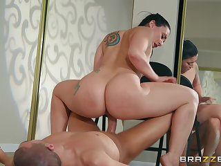 Banal yoga session curves into a wild anal pounding